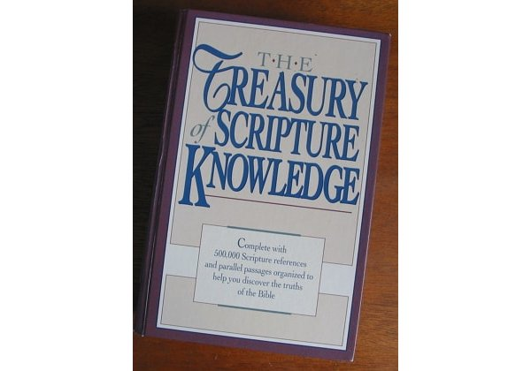 Treasury of Scripture Knowledge contains 500,000 Biblical links in ideas